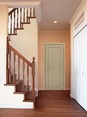Двери межкомнатные,  деревянные