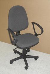 новое офисное кресло